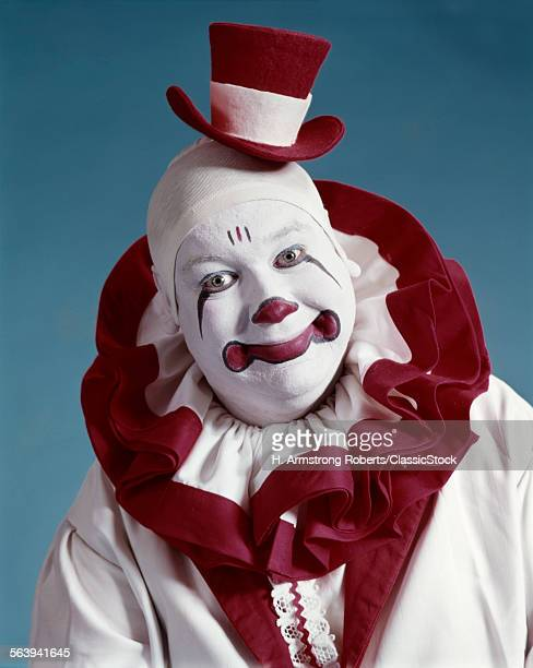 1970s PORTRAIT OF CIRCUS...