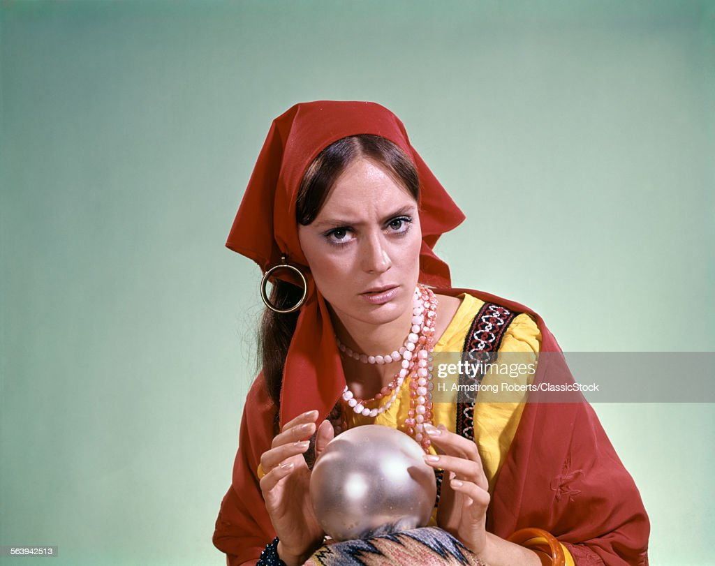 1970s PSYCHIC CRYSTAL BALL... : News Photo