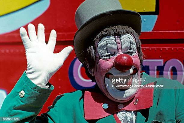 1970s SMILING CLOWN PINK...