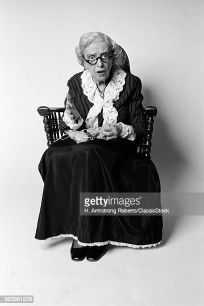 1970s WOMAN GRANDMOTHER IN...