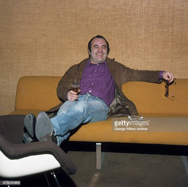 Robert William 'Bob' Hoskins was an English actor known for playing Cockneys and gangsters His best known works include lead roles in The Long Good...