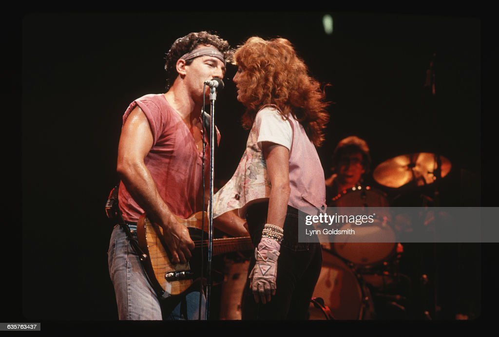Bruce Springsteen and Patti Scialfa Singing Together : News Photo