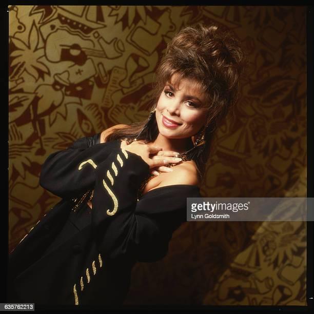 1989Waistup photo of Paula Abdul Undated