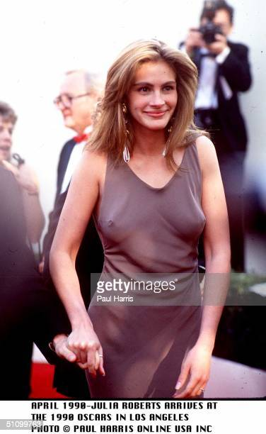 Los Angeles Julia Roberts Arrives At The 1990 Oscars