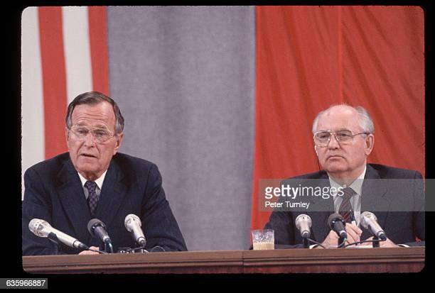 Gorbachev Peace Conference Treaty Signing in Kremlin
