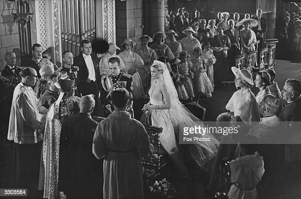 Prince Rainier III marries actress Grace Kelly in Monaco cathedral