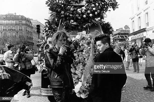Funeral of French novelist existentialist and forerunner of the feminist movement Simone de Beauvoir at the Montparnasse Cemetery in Paris