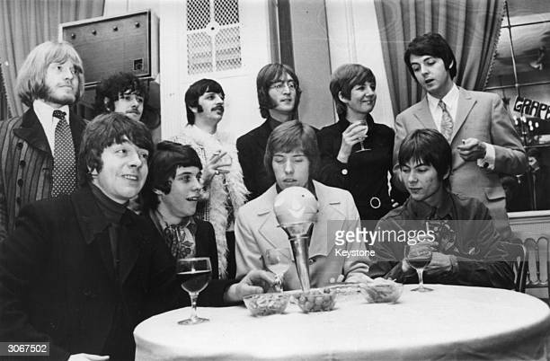 A press conference attended by Brian Jones Donovan Ringo Starr John Lennon Cilla Black and Paul McCartney to launch the pop group 'Grapefruit' whose...