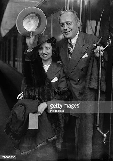 19th July 1937 American radio and film comedian Jack Benny and his wife Mary Livingstone pictured at Waterloo Station London