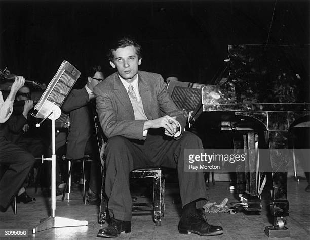 Canadian pianist Glenn Gould takes a break from rehearsals at the Royal Festival Hall, London.