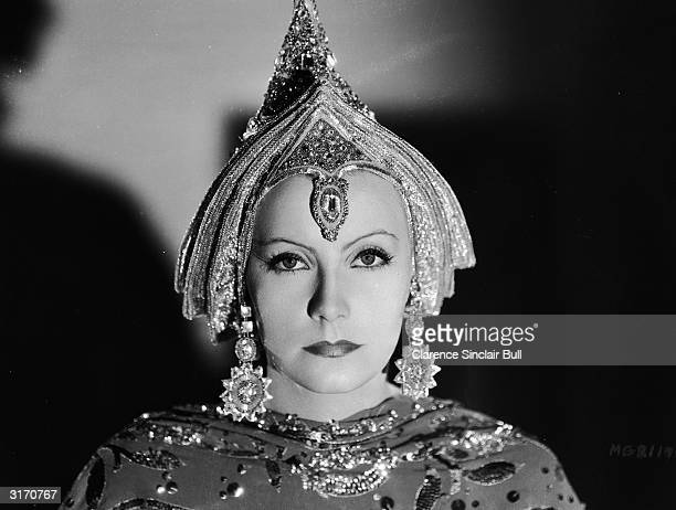 Swedish born actress Greta Garbo as dancerturnedspy Mata Hari in the film of the same name directed by George Fitzmaurice