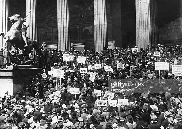 A peace protest in Berlin in front of the Reichstag