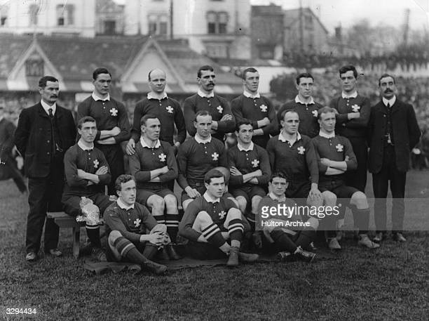 The Welsh team for the Wales v South Africa international rugby match at Swansea Back row from left Llewellyn Williams Jenkins Jones Thavers...