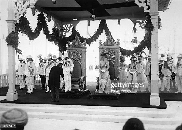 King George V and Queen Mary at the Apollo Bunda landing stage in Bombay during the Coronation tour of India