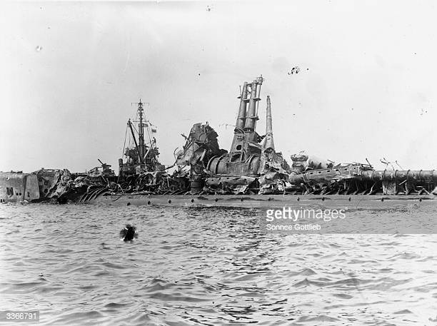 Wreckage of US submarine 'Skate' one of the targets in the atom bomb testing in Bikini Atoll after the testing