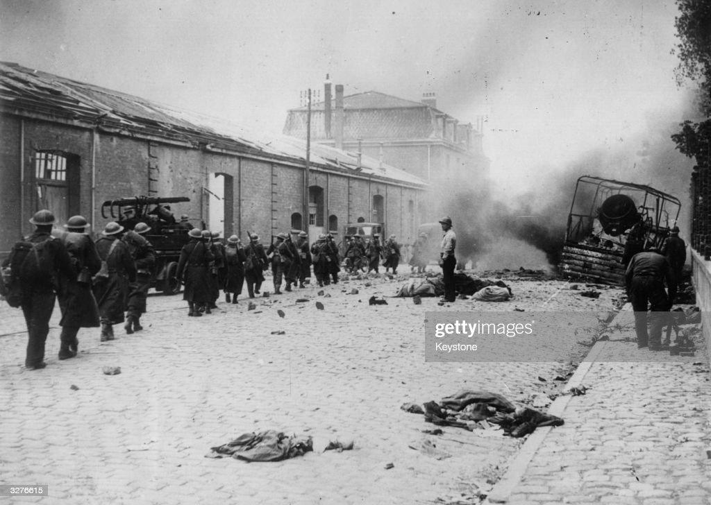 Dunkirk Under Fire : News Photo