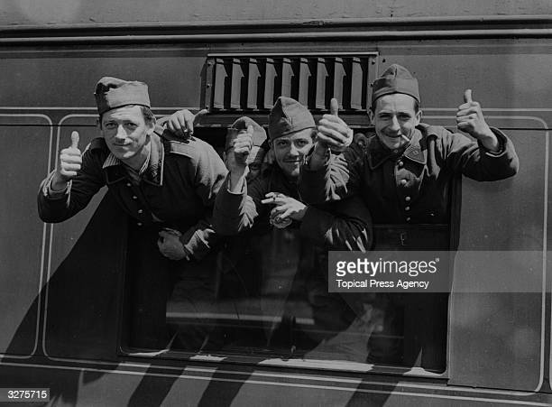French troops arrive in England from Flanders slightly wounded in rearguard action during fighting around Dunkirk