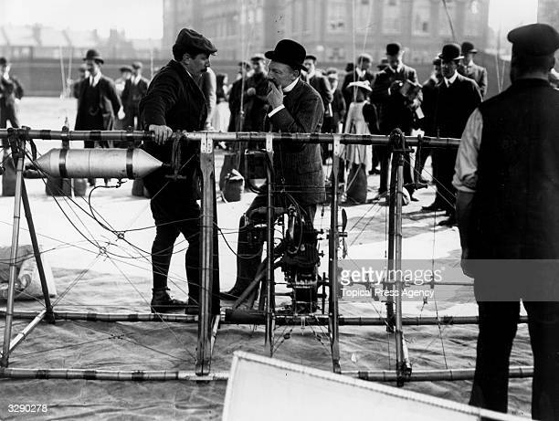 Mayor Fletcher Smyth BadenPowell brother of Lord BadenPowell chatting to Cherry Kearton at the ascent of the Spencer airship at Wandsworth Gas Works