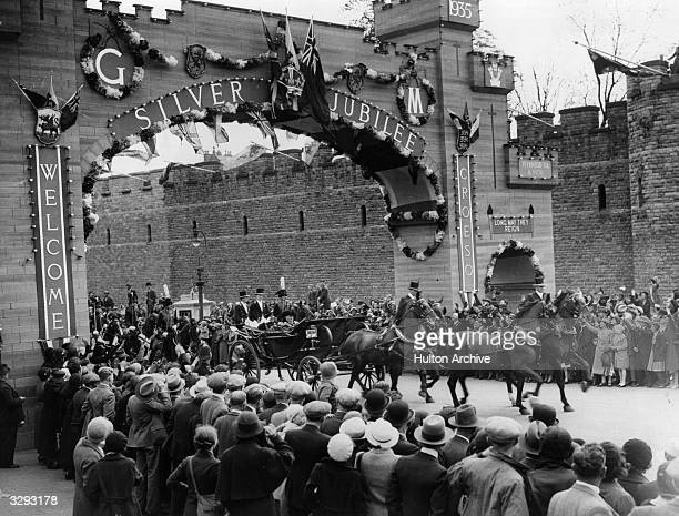 The Duke of Windsor as Edward Prince of Wales rides through Cardiff during the Silver Jubilee celebrations His parents King George V and Queen Mary...