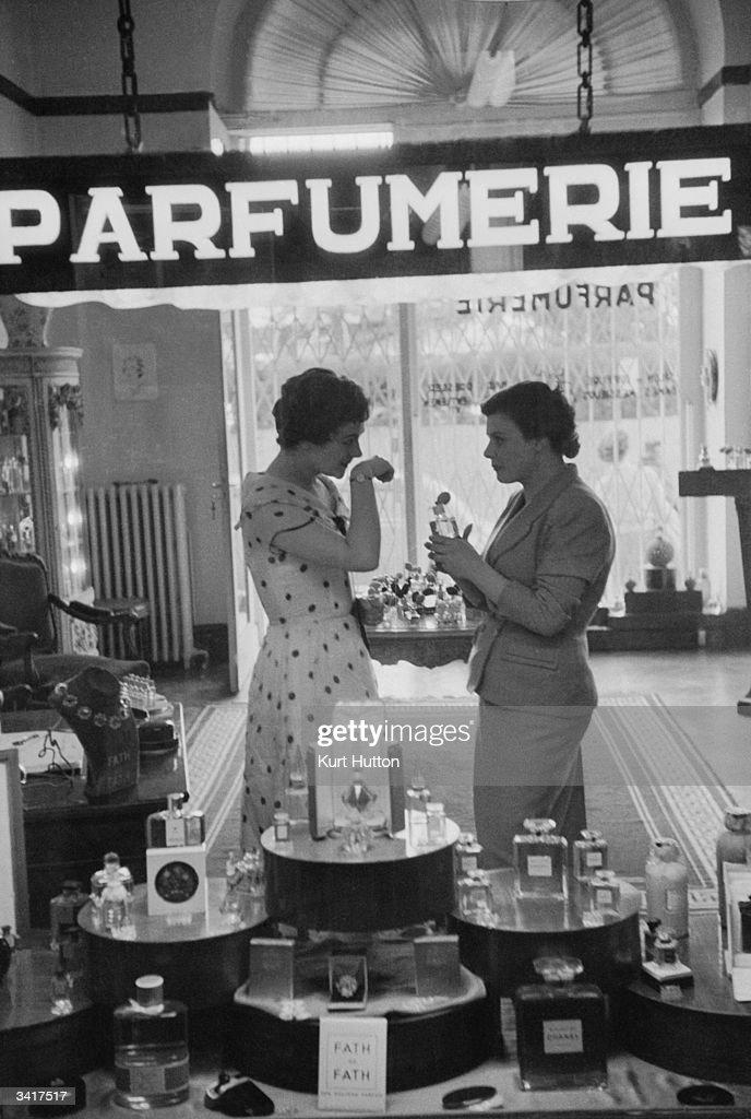 Parfumerie : News Photo