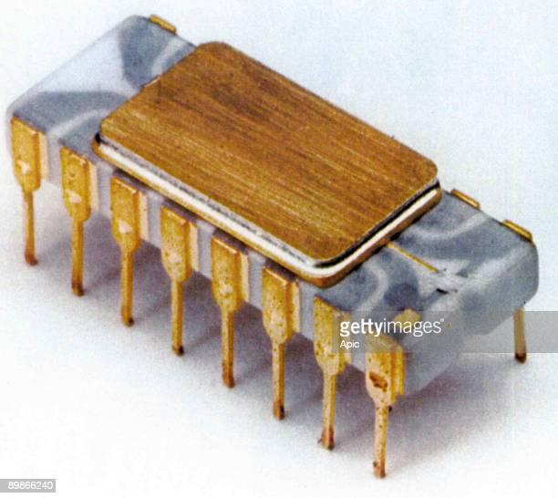 1st microprocessor 1971 Intel 4004
