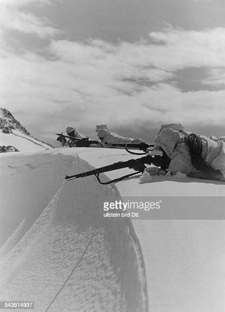 1st Mountain Division of the German Wehrmacht mountain infantry patrol at Caucasus