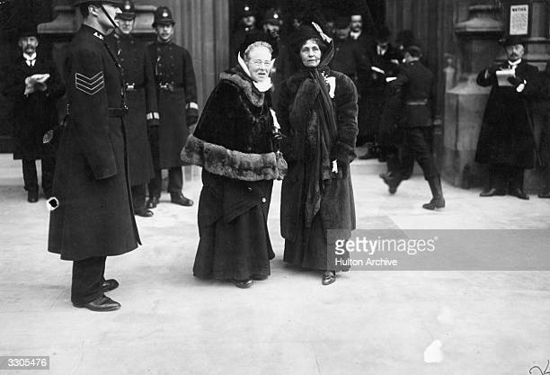The English suffragette Emmeline Pankhurst founder with her daughter Christabel of the Women's Social and Political Union in 1903 with Dr Elizabeth...
