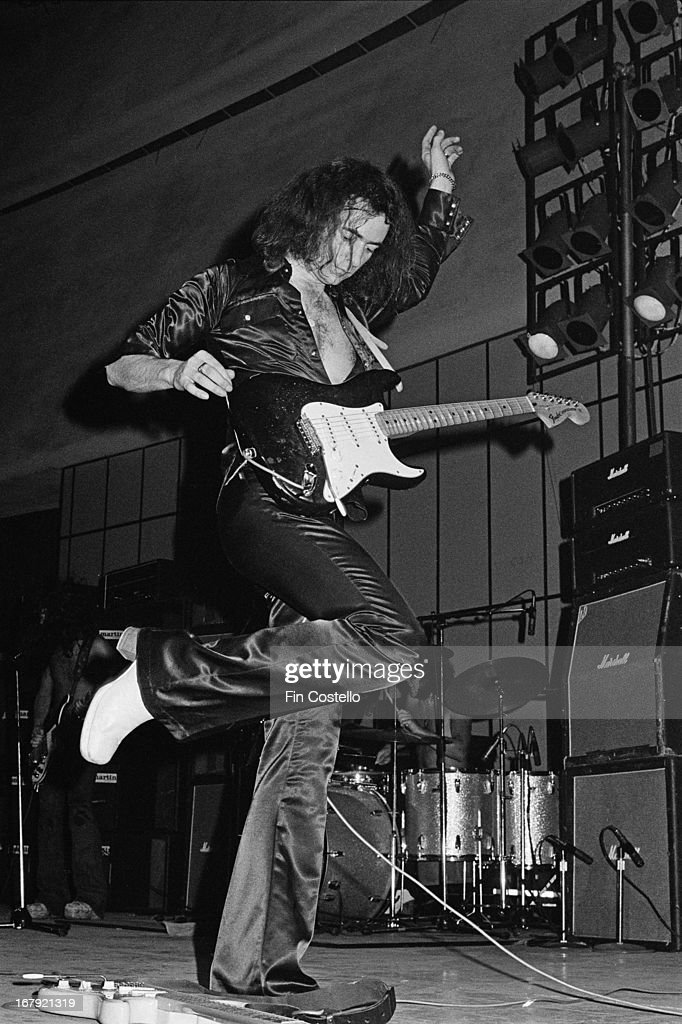 Guitarist Ritchie Blackmore from Deep Purple performs live on stage during the band's American tour in November 1974.