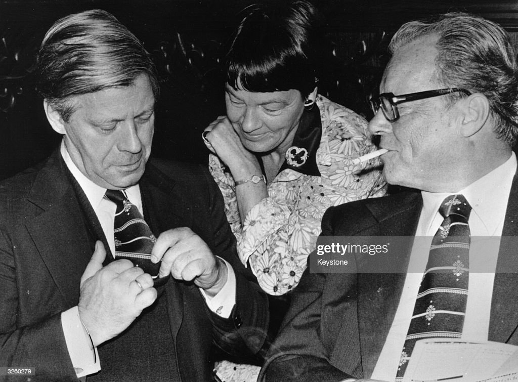 Chancellor Helmut Schmidt, his wife Lady Hannelore Schmidt and the chairman of the SPD, Willy Brandt during the final phase of the election campaign in West Germany.