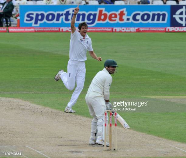 1st TEST AT TRENT BRIDGE 2 nd DAY 30/7/2010. STEVEN FINN TAKES THE WICKET OF A AKMAL.