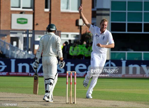 1st TEST AT TRENT BRIDGE 3rd DAY 31/7/2010. ALI OUT TO STEWART BROAD.