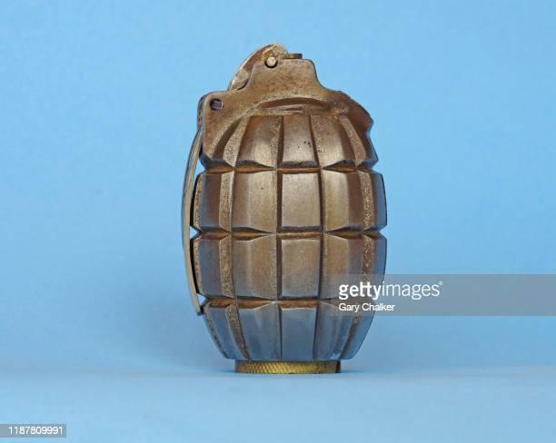 1st world war hand grenade - explosive material ストックフォトと画像