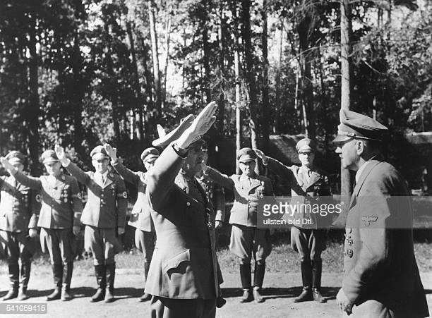 *20041889Politiker NSDAP DFührerhauptquartier 'Wolfsschanze' beiRastenburg in Ostpreussen nach demAttentat vom Empfang für dieReichsleiter und...