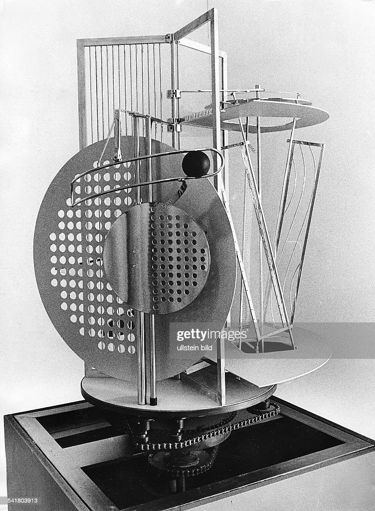 Laszlo Moholy-Nagy, Licht-Raum-Modulator Pictures | Getty Images