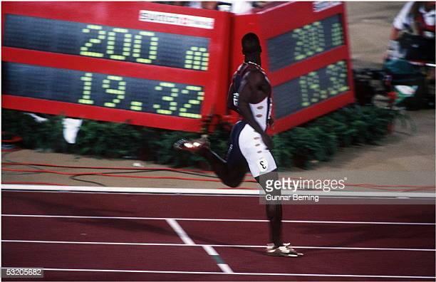 200m Maenner Finale , Atlanta / USA , 01.08.96 Michael JOHNSON / USA GOLD - MEDAILLE FOTO:BONGARTS/Gunnar-Berning