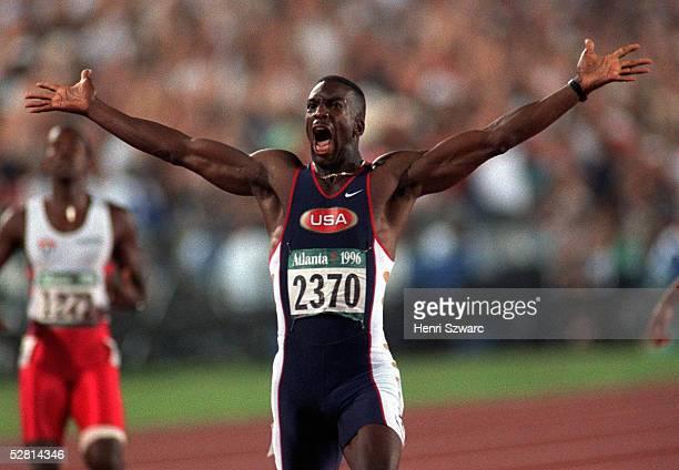 LEICHTATHLETIK 200m Maenner/Finale ATLANTA 1996 1896 Michael JOHNSON/USA GOLD MEDAILLE und Weltrekord