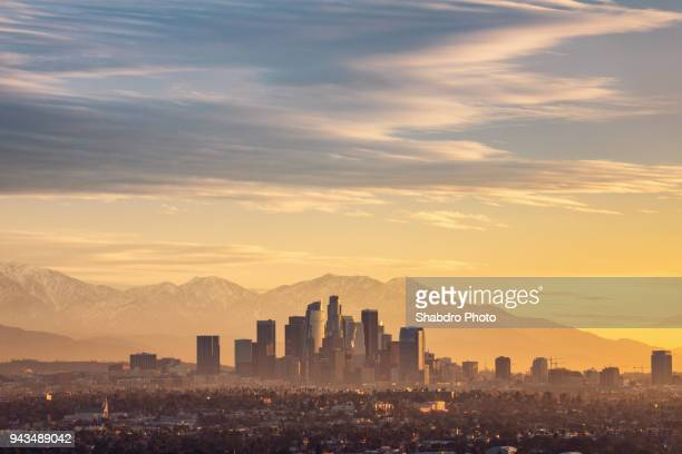 dtla 200m sunrise - de stad los angeles stockfoto's en -beelden