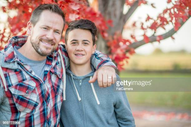 20180516_family in fall_04 - 14 15 years photos stock photos and pictures