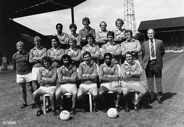 The Charlton Athletic Football team From left to right Back Row Ambrose Booth Wood Dugdale Churchouse Centre Cripps Tydeman Shaw Griff Campbell Berry...