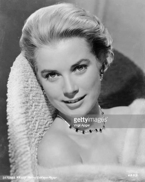 American actress Grace Kelly .