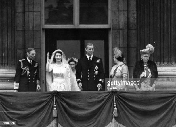 Princess Elizabeth and Philip Duke of Edinburgh on the balcony of Buckingham Palace after their wedding with King George VI Queen Elizabeth and Queen...
