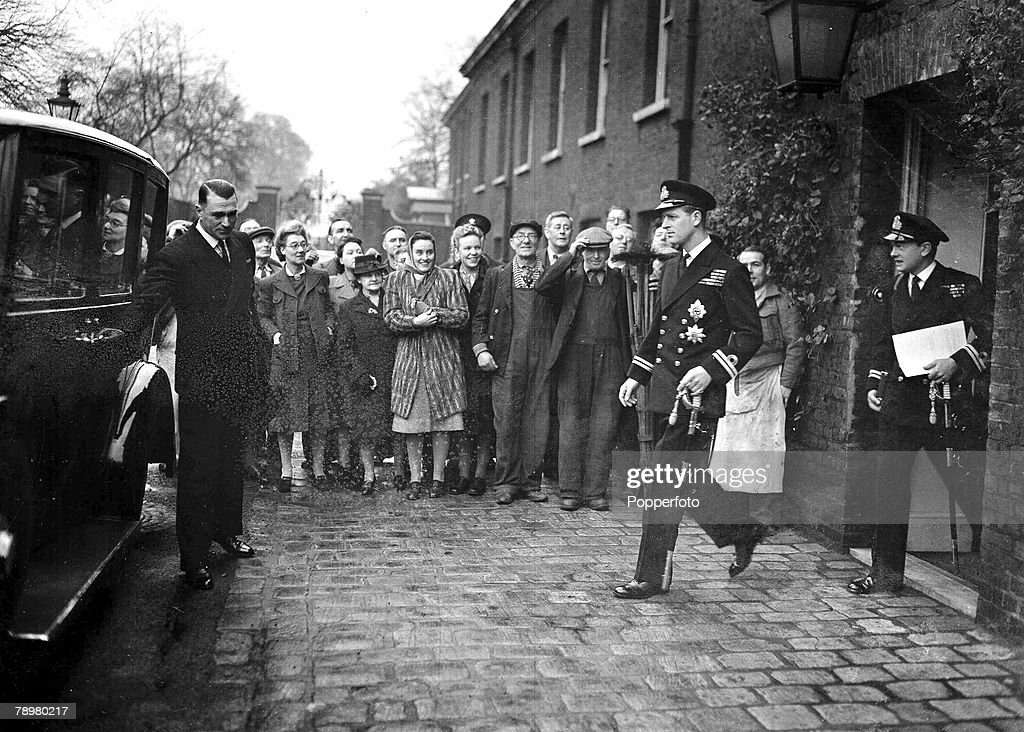 20th November 1947. The Duke of Edinburgh leaves Kensington Palace for his wedding at Westminister Abbey to Princess Elizabeth, later Queen Elizabeth II. : News Photo