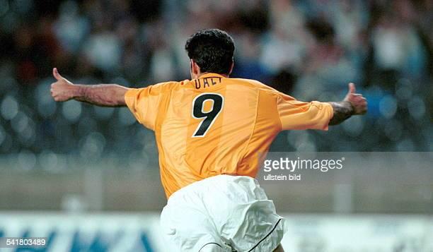 Sportler Fussball Iranjubelt über sein Tor zum 10 imQualifikationsspiel zur Champions Leaguegegen Anorthosis Famagusta inBerlin
