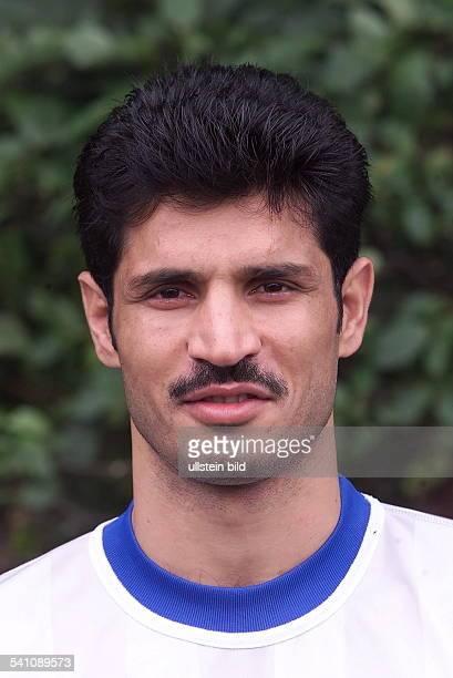 Sportler Fussball IranPortrait im Trikot