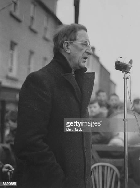 First Taosieach of the Republic of Ireland Eamon de Valera addressing an open air election meeting during the 1948 General Election In the election...