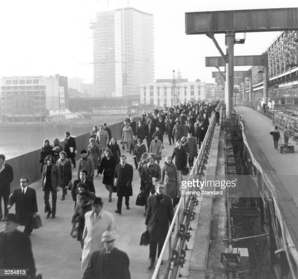 The eastern footpath on London Bridge