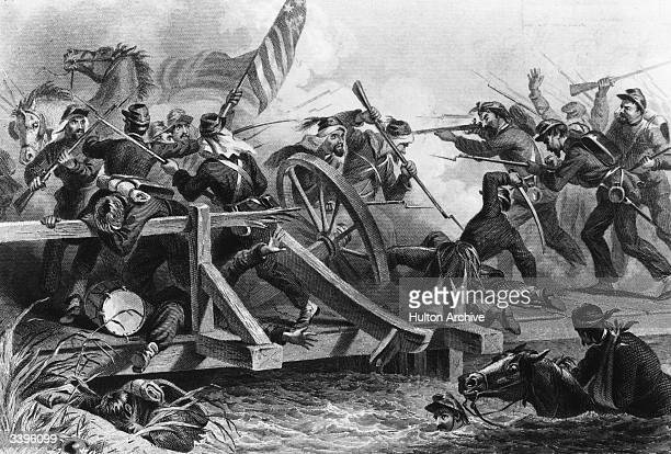 Violent exchange between the Yankees and Confederates at the First Battle of Manassas during the American Civil War. Original Artwork: Engraving by...