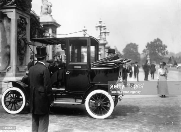 Irish nationalist politician John Dillon a prominent member of the Irish Parliamentary Party arriving at Buckingham Palace for the Home Rule for...