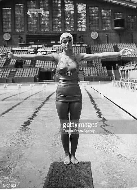Mexican springboard diver Rosa Pardo at the Empire Pool Wembley where she is in training for the 1948 London Olympics