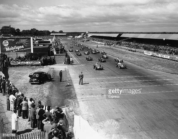 The lineup at the start of a race at Silverstone